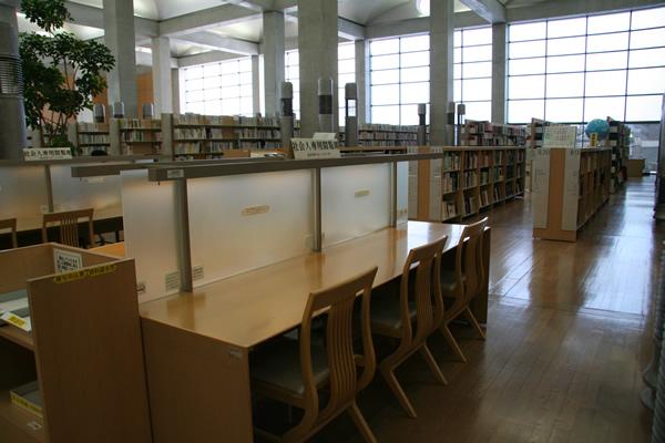 県立 図書館 大分